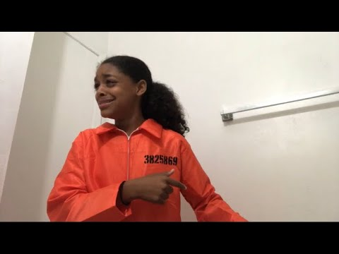 First time in jail #comedy @niyahgotcurls ( @hahadavis )