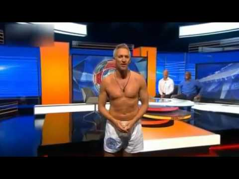 Gary Lineker presenting in his underwear New Flash Game