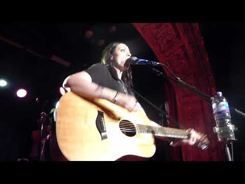 Amy Macdonald- This Is The Life (Acoustic) - Omeara London- 29.8.17