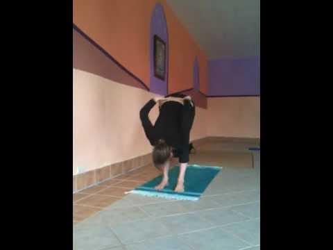 Caroline Klebl - Ashtanga Yoga Demonstration - Teacher Training in Los Angeles
