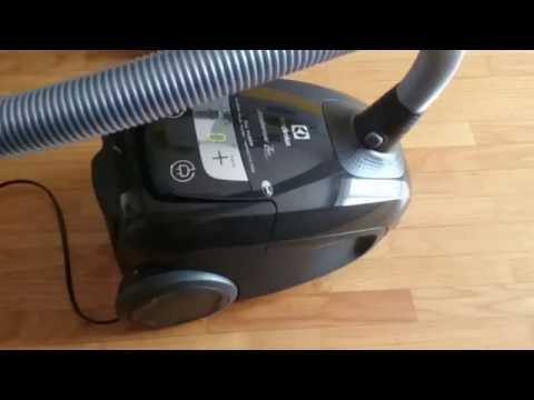 ELECTROLUX ULTRASILENCER ZEN USALLFL58 - ODKURZANIE - YouTube