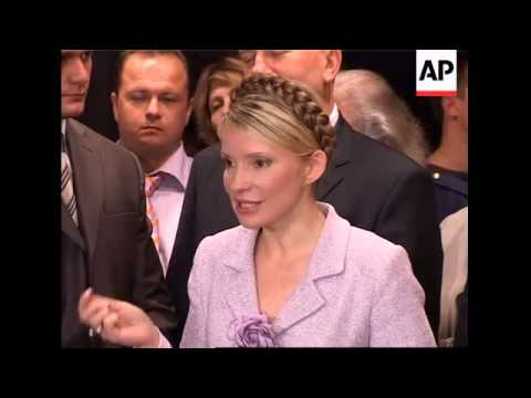 Supporters cheer Tymoshenko after TV interview