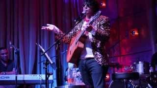 Cristinito Hernandez canta cancion sobre Rodner Figueroa
