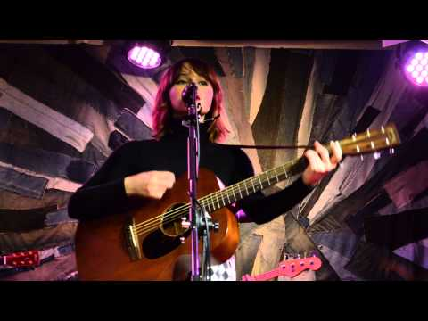Gabrielle Aplin - Keep On Walking ( Live at Taipei Taiwan 2013 ) mp3
