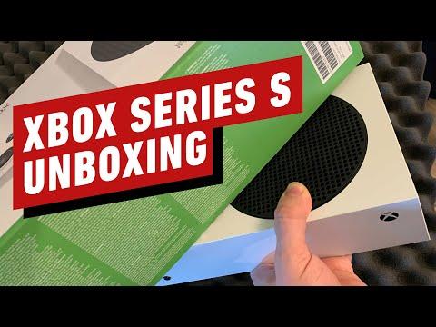 В сети появились первые анбоксинги Xbox Series S