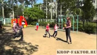 Прогулка в детском саду летом(Другое видео смотрите на нашем сайте www.ladushki4.gixx.ru Видео создано студией Кроп-фактор (www.krop-faktor.ru), 2012-11-11T11:55:30.000Z)