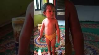 Download Video Anak bugil MP3 3GP MP4