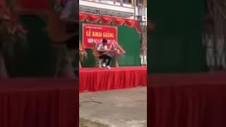 THPT Minh Khai- Quốc Oai: học sinh đánh guitar trong lễ khai giảng cực hay