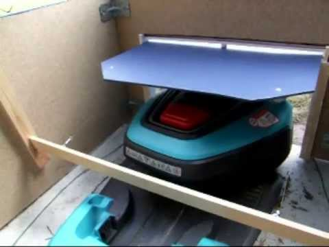 gardena r40li klappe garage automower youtube. Black Bedroom Furniture Sets. Home Design Ideas