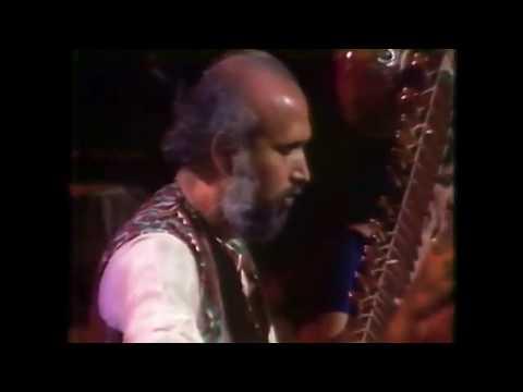 Pt. Ravi Shankar 1974 - Daniel Prabhakar - Tanpura