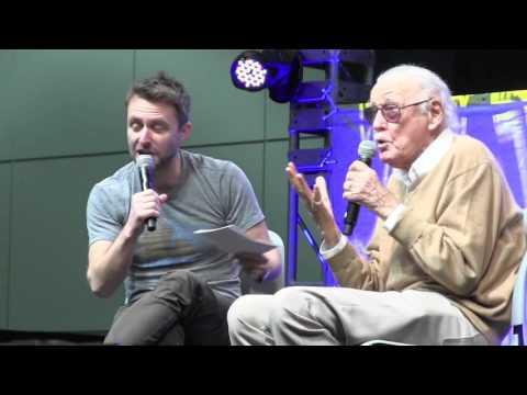 Chris Hardwick Interviews Stan Lee at LA Comic Con 2016