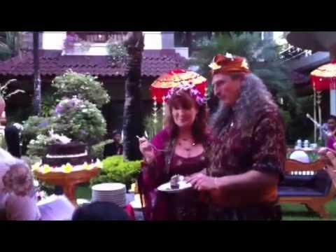Cutting the Cake- Ken & Morgan in Bali
