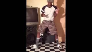 SHIGGY DANCING TO Dj Kirby Mix 4