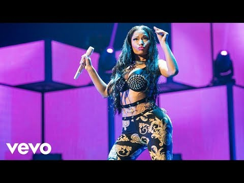 Nicki Minaj - Super Bass (Live On IHeartRadio / 2014)