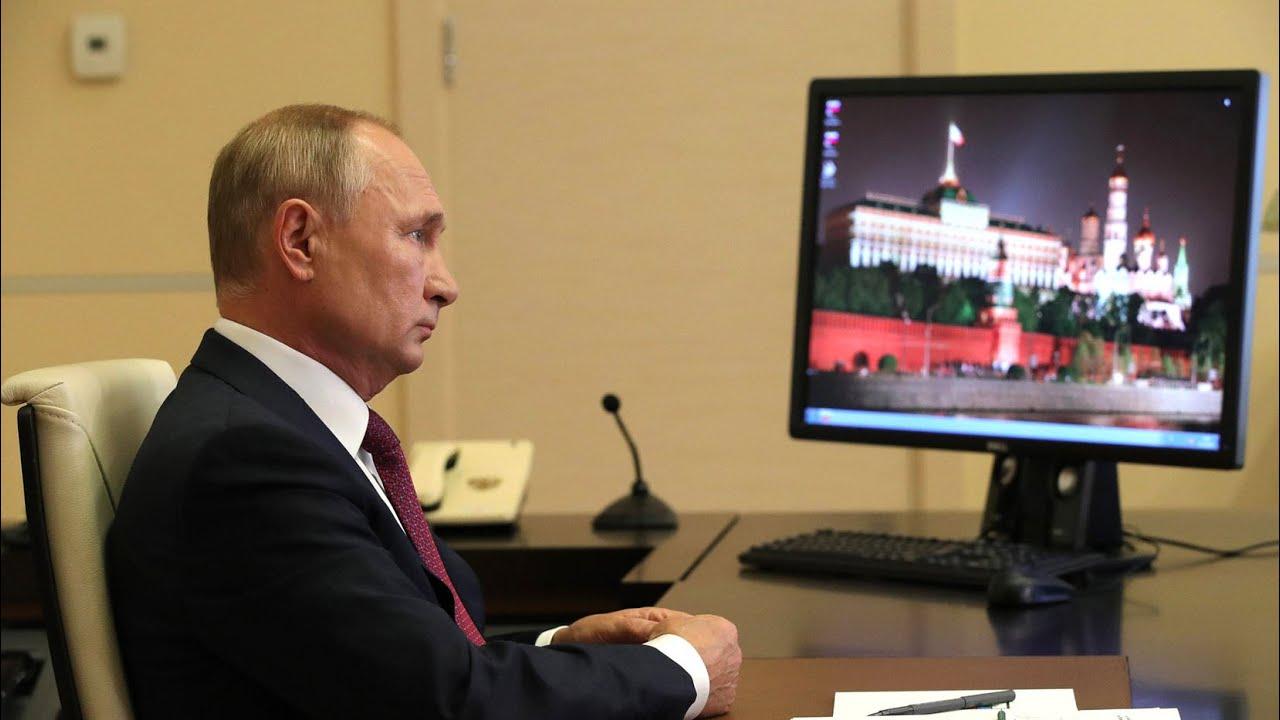 Путин на уроке мира: Подвиг Победы не должен быть забыт
