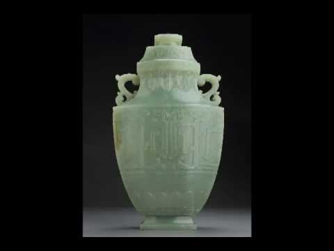 IMPORTANT CHINESE JADE: LARGE ANTIQUE PALACE VASE WITH ARCHAIC DESIGN