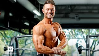 Summer Pump Chest & Triceps Workout | Flex Friday with Trainer Mike