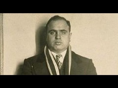 Al Capone\'s Soup Kitchen Feeds Thousands Of Poor People 1930/1 - YouTube