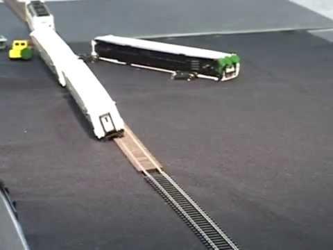 Metrolink HO Scale Model Crash Tests