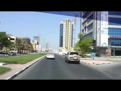 Driving in Ras Al Khaimah, UAE 28.09.2013 نقود السيارة في شوارع رأس الخيمة