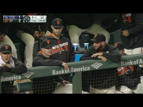 COL@SF: Beckham arrives in the Giants' dugout