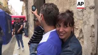 Enrique Iglesias in Cuba to film music video