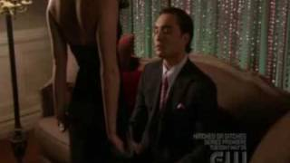 blair and chuck 2x25 - blair asks chuck what he thinks of her...