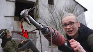 HjemmeLavet Grappling Hook PISTOL : RIP mit knæ (Mærkelige Opfindelser)