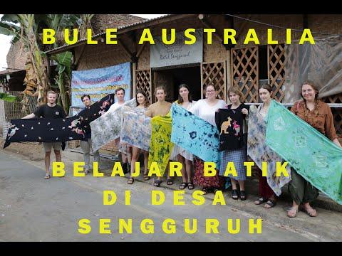 Bule Australia Belajar Batik di Griya Batik Sengguruh