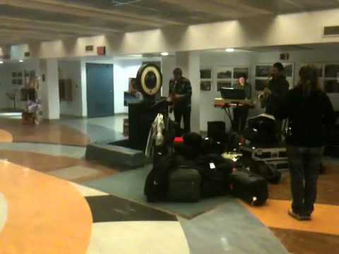 Blue Cranes (trio formation) - midnight at the Toledo train station