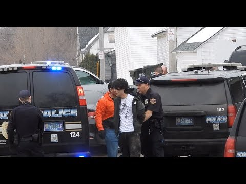 Felony Warrant Arrest In Sioux City West 17th And George Suspect Tries To Run #CrimeSUX