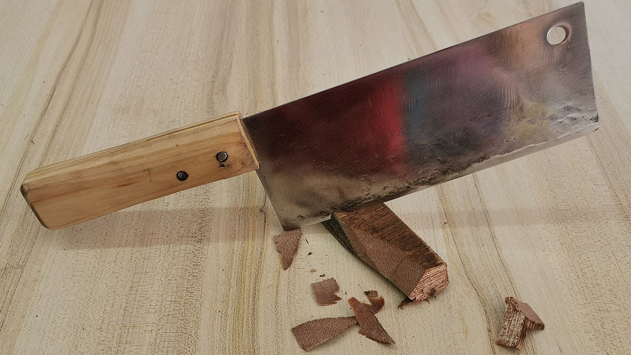 Quench with water~ Thoroughly harden the old kitchen knife