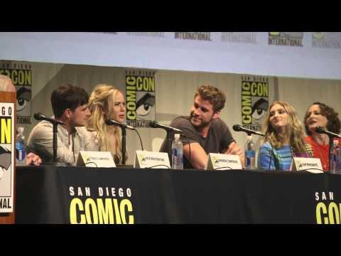 THE HUNGER GAMES: MOCKINGJAY PT 2 Panel Comic-Con 2015; Jennifer Lawrence, Josh Hutcherson
