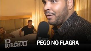 """Paulo Vieira flagra Fábio Porchat com """"moreno misterioso"""""""