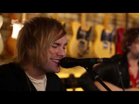 "5 Seconds Of Summer - ""Jet Black Heart"" (MTV Jammin' exclusive performance)"