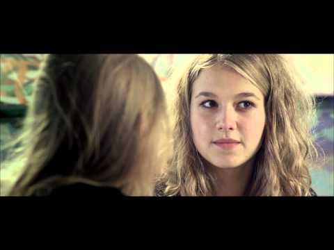 Filmklip fra You & Me Forever.  Maria fortæller om sexoplevelse.