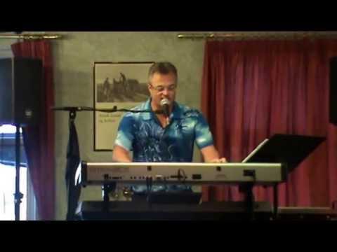 Glad syng med musik og sang - ROBIN
