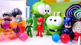 OmNom und die Pyjamahelden - Spielzeugvideo für Kinder