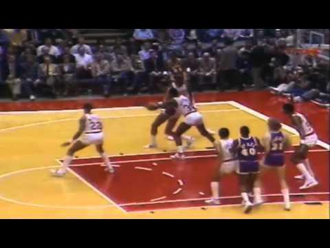 Kareem Abdul-Jabbar (46 points) vs Rockets