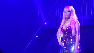 Nicki Minaj - The Night Is Still Young (Live) @ Paris, Zénith (26.03.2015) HD
