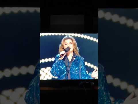 Shania Twain Wins  the generation award at the Canadian Country Music Awards