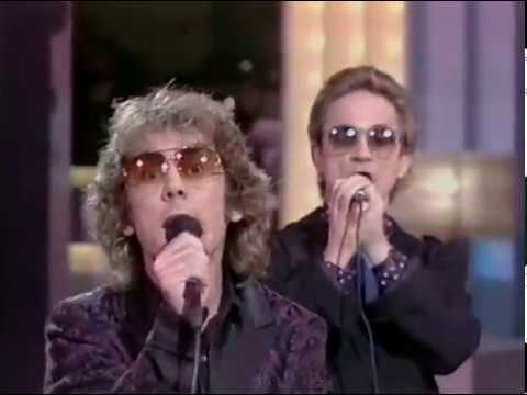 "The Flying Pickets - ""Sun Ain't Gonna Shine"" on Des O'Connor (1985/6)"