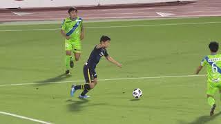 PA内でボールを持った大谷 秀和(柏)のパスは相手選手に阻まれるも、こ...