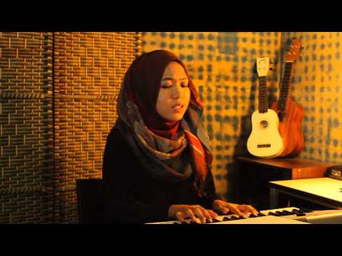 Aiman - Bunga Dhia (cover by Amira Nasyrah)