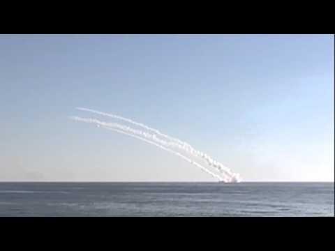 Групповой пуск крылатых ракет «Калибр» подлодкой «Ростов-на-Дону» по объектам террористов в Сирии