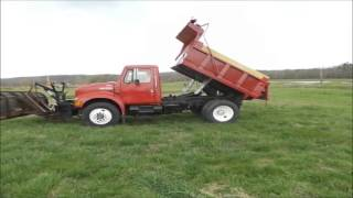 1996 International 4700 dump truck for sale | no-reserve Internet auction April 28, 2016