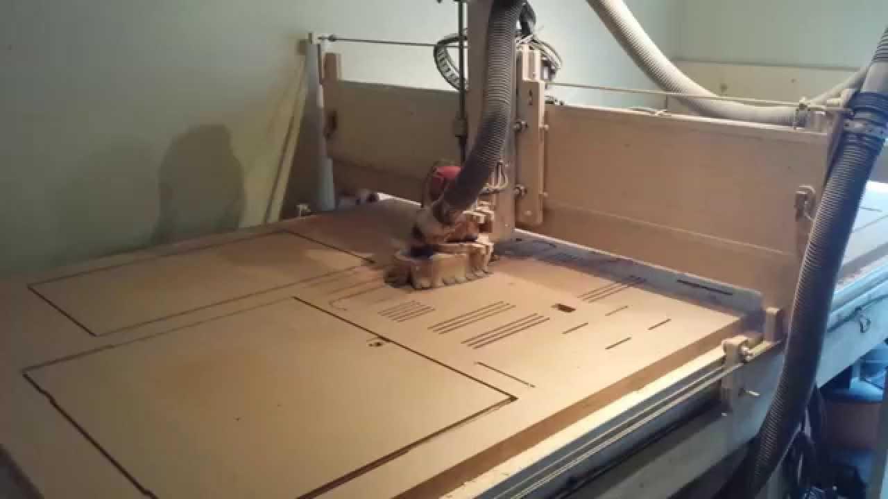 Cutting an arcade cabinet. - YouTube