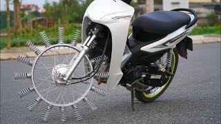 Non riuscirai a crederci appena vedrai cos'hanno fatto a questa moto!