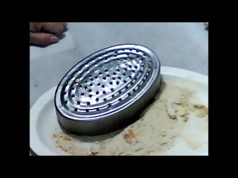 reciclando una lata haremos un rallador  de queso-- verging cheese