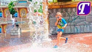 Максим Гуляет в Аквапарке и Катается с Горок SUPER FUN Water Park Aquapark USA America Six Flags